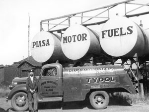 Piasa Motor Fuels Truck from 1932